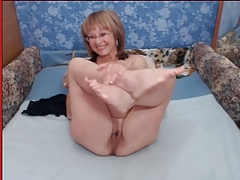 Granny with beamy tits