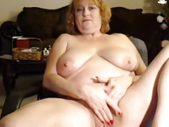 Mature woman squirting on cam