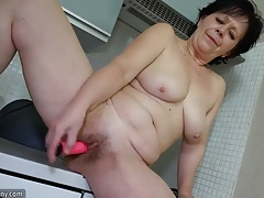 Granny masturbate flimsy..